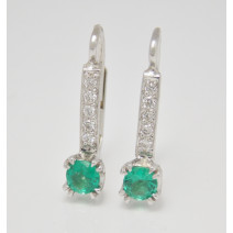 Dámske náušnice so smaragdmi a diamantmi