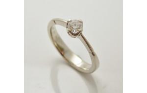 Prsteň s diamantom 0,25 ct z bieleho zlata Fancy